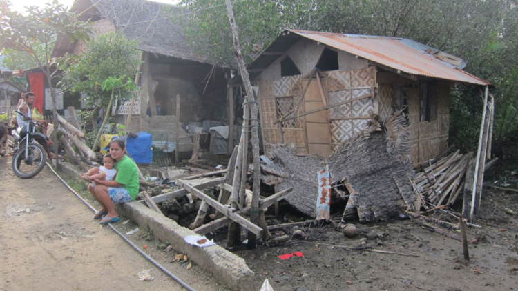 Thousands of homes were destroyed by the earthquake that hit the Philippines in 2013