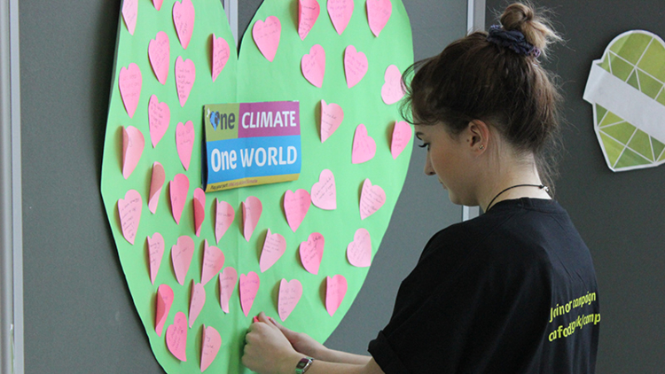 Students and members of the public thought about how they could make a change in their everyday  lives in order to combat climate change.