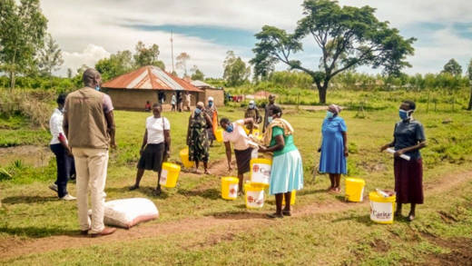 Food and hand-washing supplies are distributed to vulnerable families in Homa Bay, Kenya.