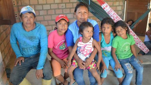 Elisa da Silva, 39, with her six children in Brazil CAFOD