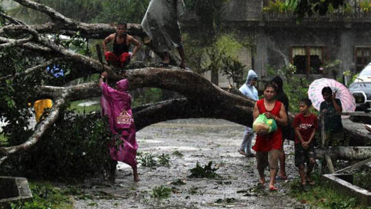 Typhoon Bopha hits Tagum City, southern Philippines [REUTERS/Stringer courtesy of alertnet]
