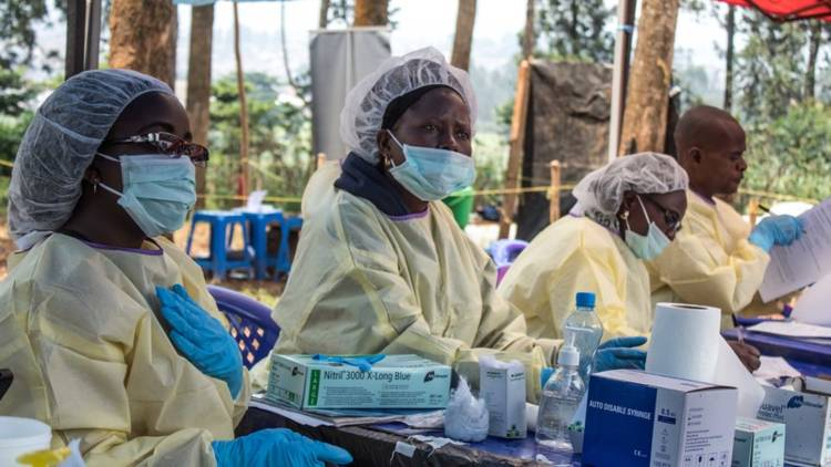 The agents responsible for vaccinating the population of Butembo prepare to give vaccinations at Butembo's ETC (Ebola Treatment Center).