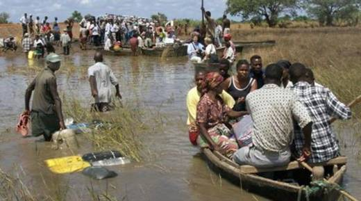 Cyclone Idai people seeking rescue in boats