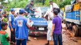 Our local partner, Caritas Bangladesh, is distributing vital food aid to vulnerable refugees in Bangladesh.
