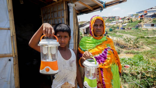 CAFOD has installed solar street lighting and distributed solar lamps for Rohingya refugees in Cox's Bazar, Bangladesh.