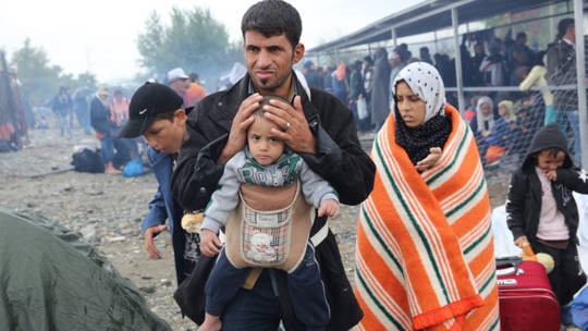 Refugees fleeing terrible conflict for Europe are in desperate need of help. Our partner, Caritas Greece, is providing support to tired and traumatised refugees, many of whom have small children.