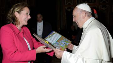 CAFOD's Monica Conmee presented the letters from schoolchildren to Pope Francis