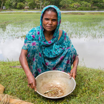 Mahinur from Bangladesh shows that she can't find enough fish in the river